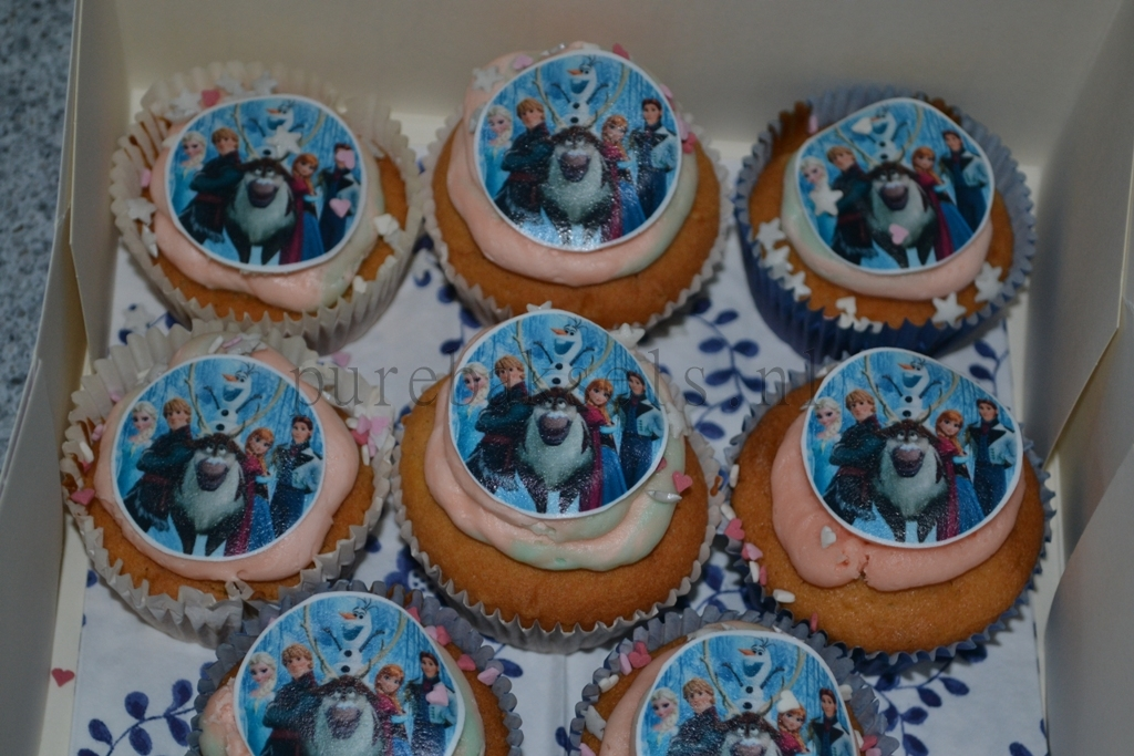 Frozen cup-cakes (3)
