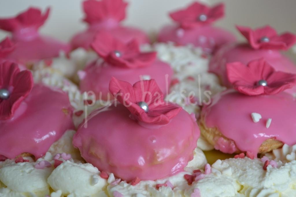 Tompouce taart met bloemen (2)