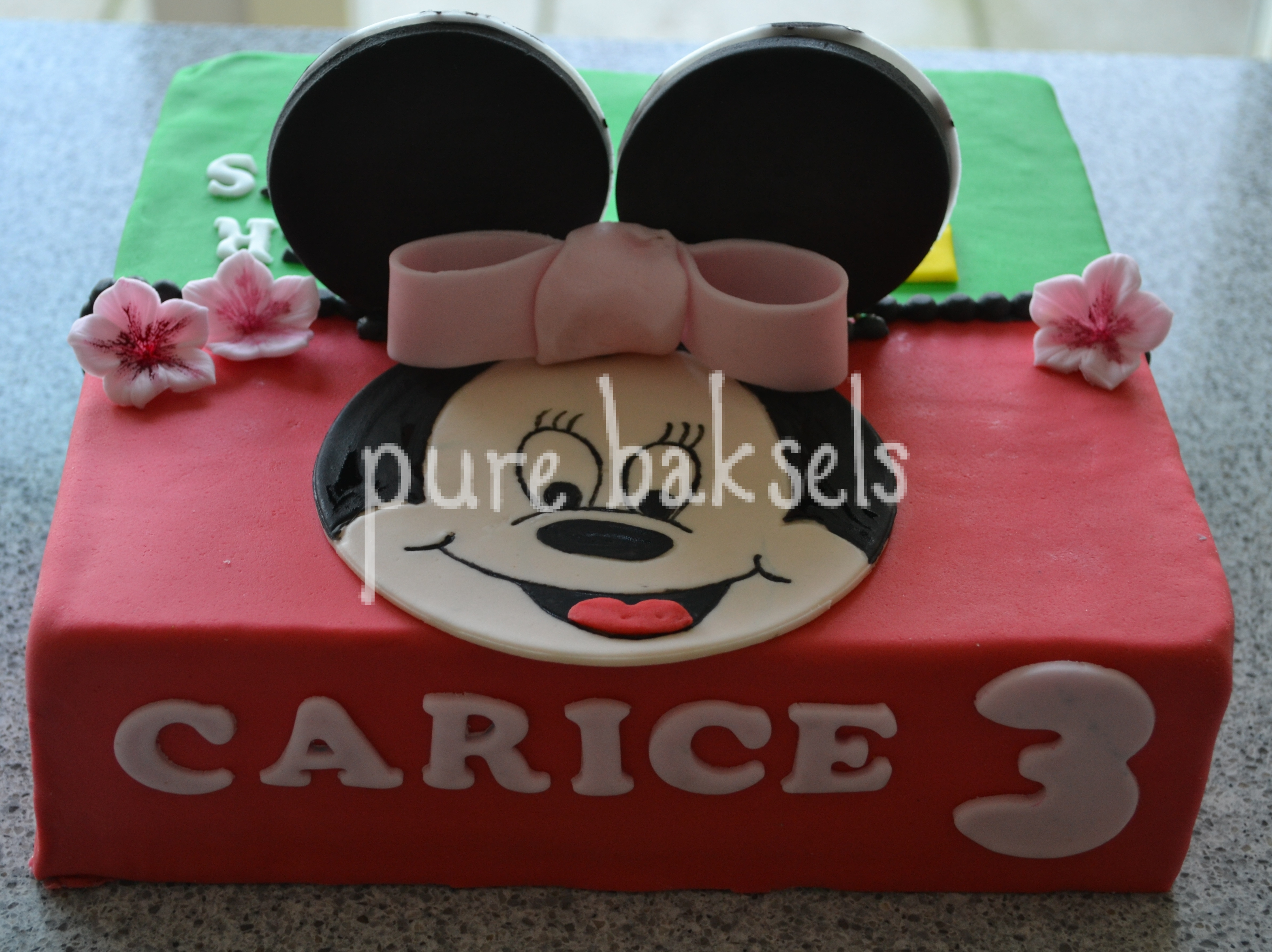 minnie-mousse-voetbal-taart-2